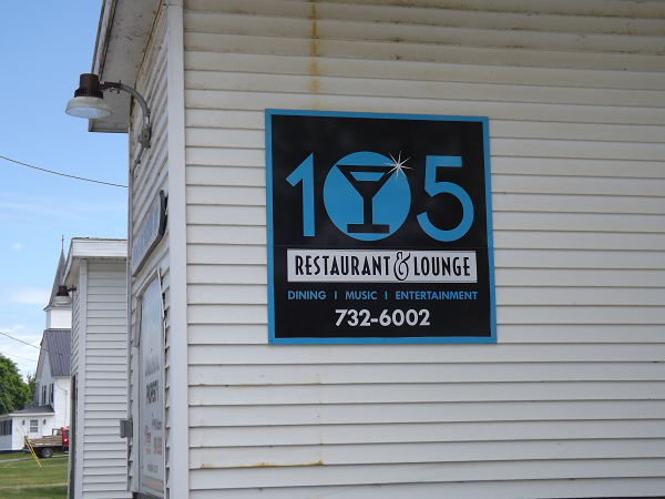 105 restaurant and lounge